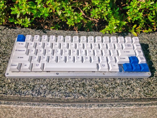 Gallery: building my own mechanical keyboard